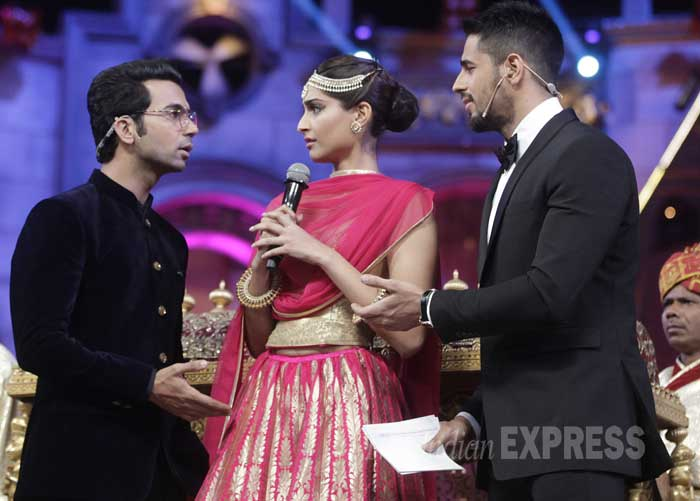 screen awards 2015, lifeok screen awards, sonam kapoor, rajkummar rao, dolly ki doli, sidharth malhotra