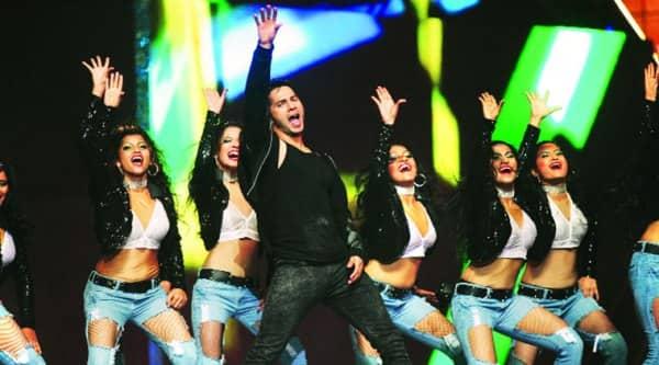 Varun Dhawan dances to ...Jee Karda