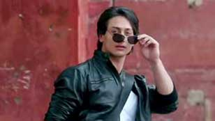 Winner of Most Promising Newcomer (Male) - Tiger Shroff for Heropanti