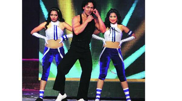 Performing to the chartbuster Whistle  baja