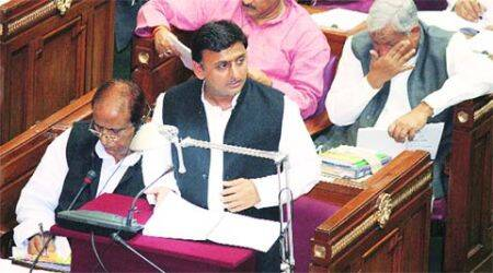 'Innocent' Akhilesh dodges Opposition attack over law and order