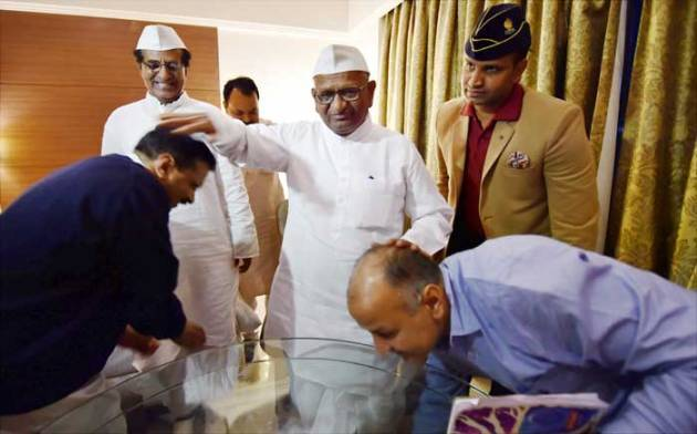 anna hazare, arvind kejriwal, land acquisition bill, kejriwal meets hazare
