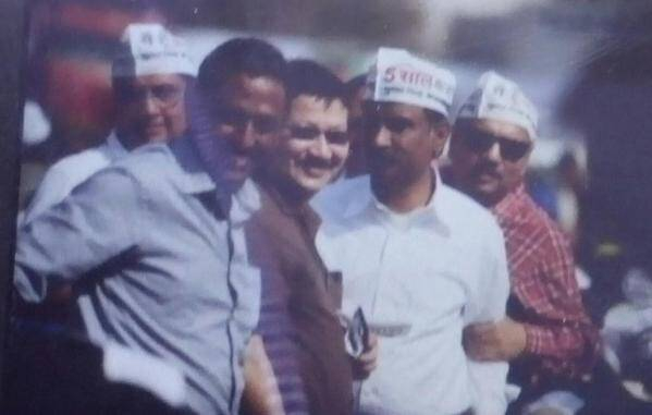 Arvind Kejriwal's IIT batchmates at swearing in ceremony.