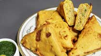 Tea-time snack: How about Aloo Bread Pakora this evening