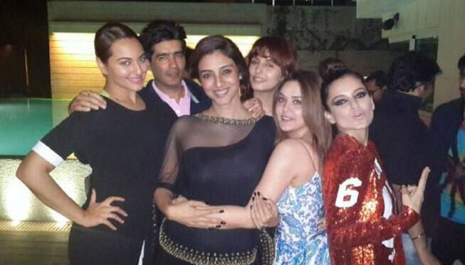 http://images.indianexpress.com/2015/02/celebs-at-queen-bash.jpg?w=654?w=700