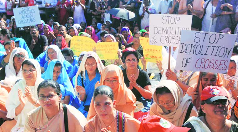 Nearly 1,500 people gathered at Azad Maidan on Monday for a 'solidarity rally' organised by the Bombay Catholic Sabha and Indian Christian Voice. (Source: Express Photo by Ganesh Shirsekar)