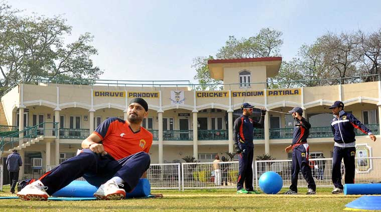 Ranji Trophy: Desperate Punjab faces confident Delhi