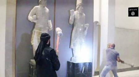 Islamic State destroys Iraq artefacts in Mosul, UNESCO demands crisis meet