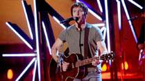 James Blunt criticised for homophobic tweets