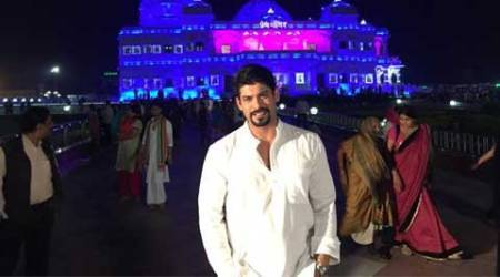 Siddharth Shukla enjoys work-cum-play in Mathura