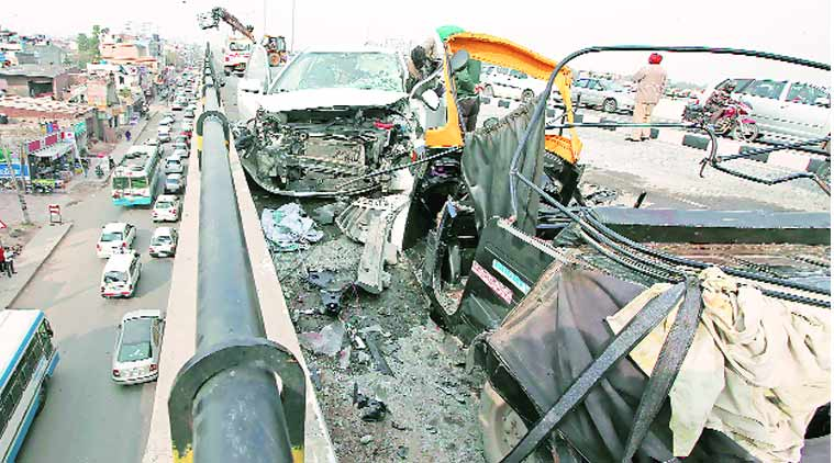 The damaged vehicles after the accident on Zirakpur flyover on Friday afternoon. (Source; express Photo by Kamleshwar Singh)