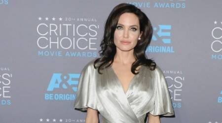 Angelina Jolie worried about naked bathtub scene