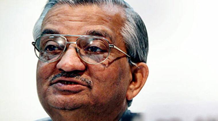 Anil Kakodkar, Smriti Irani, IIT director selection, IIT-Bombay, IIT directors selection committee, Kakodkar Smriti Irani, Smriti Irani Kakodkar IIT row, india news, nation news