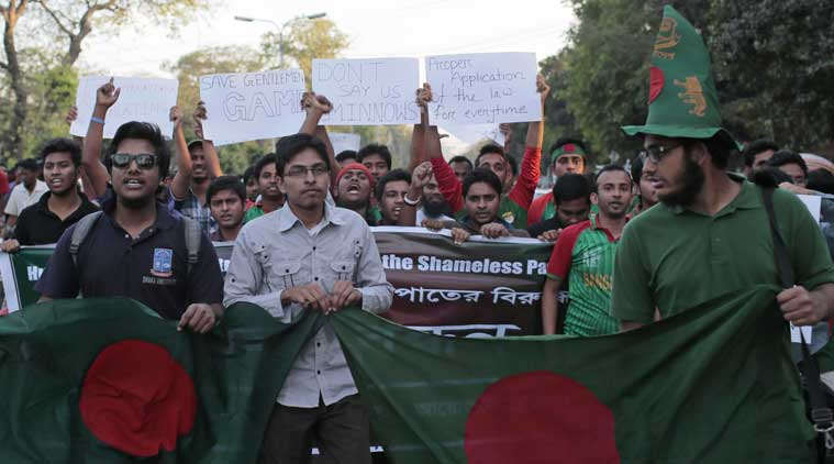 Bangladesh citizens protest killing of blogger.