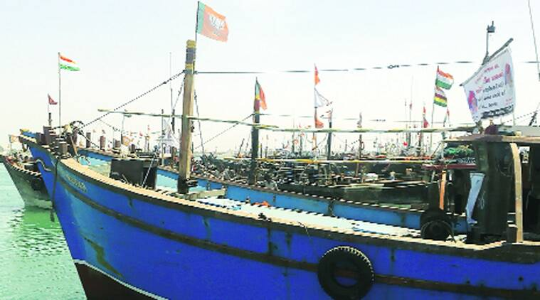 Coast guard, Indian Coast Guard , Pakistan boat, Pakistan, India, Narcotics Control Bureau, fishing trawler, Porbandar police, ahmedabad news, city news, local news