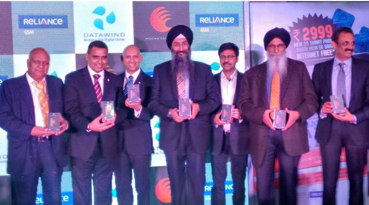 DataWind, Reliance, PocketSurfer smartphones, Android smartphones, free internet