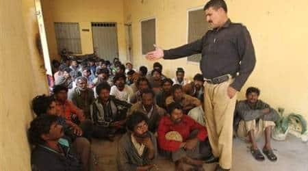 pakistan arrests indian fishermen, pakistan navy arrests indian fishermen, pakistan Maritime Security Forces, indian fishing boats seized, indian fishermen arrested