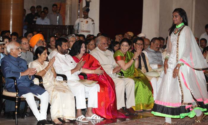 Smriti Irani, Sushma Swaraj, Ramvilas Paswan, Hamid Ansari, PV Sindhu, Padma awards, Padma awards 2015, Bharat Ratna awards, Padma Shri,LK Advani, Advani, President of India, Pranab Mukherjee, PM Modi, 2015 Padma awards, Padma award photo, Padma bhushan, PAdma Bibhusan, India news, top stories