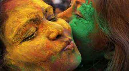 Not just metros but small towns too go the eco-friendly way this Holi