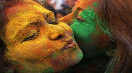 India dips itself in colours of Holi