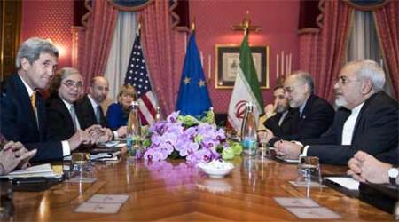 Iran nuclear talks: Kerry cancels plans to return to US, continuesnegotiations