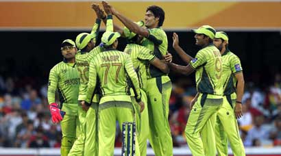 Pakistan survive Zimbabwe scare to claim first win in World Cup 2015
