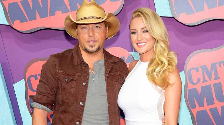 """My Kind of Party"" singer Jason Aldean has tied the knot with former American Idol contestant girlfriend Brittany Kerr."