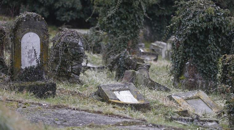 Hungary, Budapest, Jewish cemetery, Hungary Jews, Jews Hungary, jewish cemetery vandalised, hungary cemetery vandalised, budapest cemetery vandalised, World News
