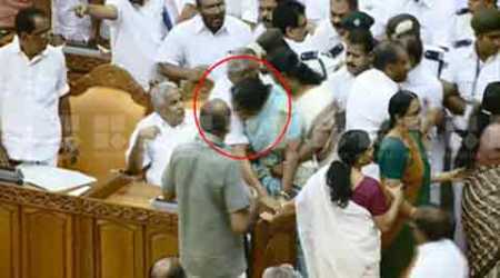 kerala_assembly_biting_480