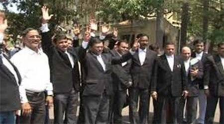 Lawyers protest at law minister D V Sadananda Gowda's house, announce march