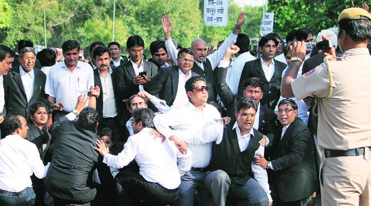 lawyers protest, india gate, india gate protest