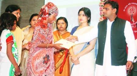 CM Akhilesh Yadav honours acid attack survivors, vows quick action againstculprits