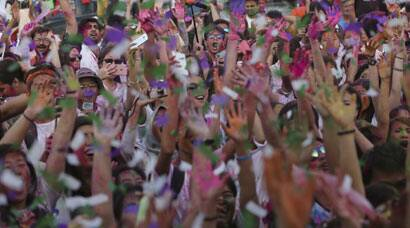 Holi frenzy in Manila