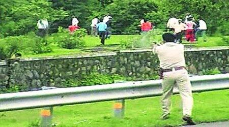 Maval firing: State defends officer, says his plastic bullets hurtnone
