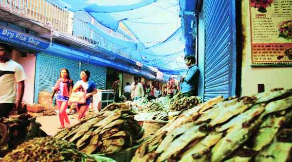 Many fish shops are owned by migrants from Bihar, some of whom came three decades ago.