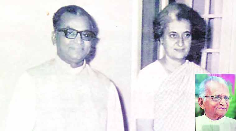 Veteran Congress, Veteran Congress leader, Gandhian Manubhai Patel, GMERS General Hospital, Vadodara, Savli assembly, MP Vadodara, Rajya Sabha, political career, Congress party, Indian National Congress, Sonia Gandhi, Ahmed Patel, Gurudas Kamat, Madhusudan Mistry, Gujarat Pradesh Congress Committee, Bharatbhai Solanki, GPCC, Arjunbhai Modhwadia, Narendra Ravat, Vadodara jail, Gujarat Students Congress