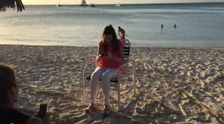 365 shades of love: Man proposes to girlfriend everyday for a year