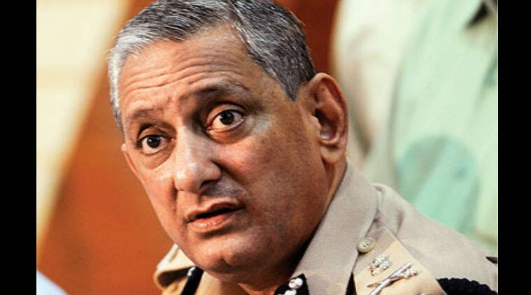 Rakesh Maria, Mumbai cop shoots self