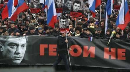 30,000 marchers in Moscow mourn slain Putin foe