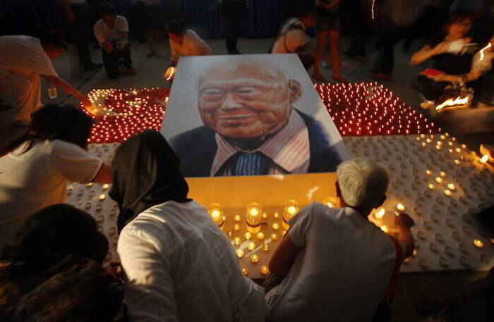 singapore, lee kuan yew, singapore online comments