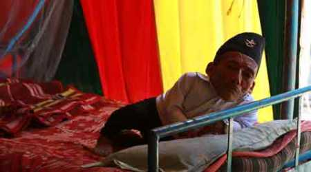 World's shortest man from Nepal regales audiences in Mumbai circus