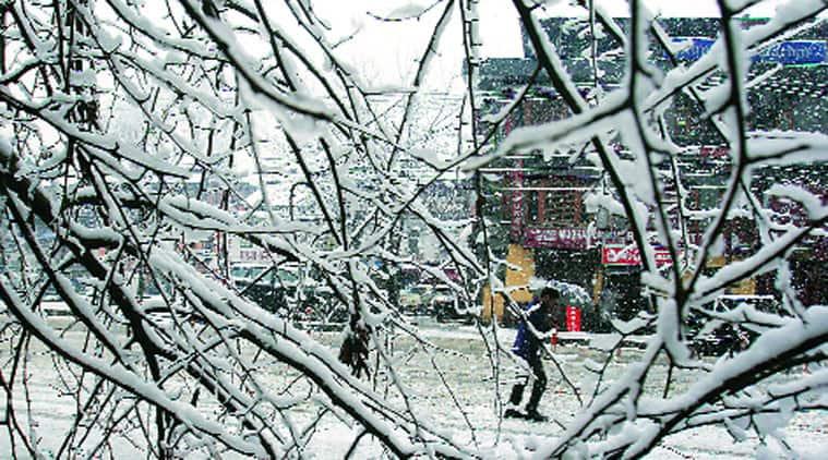 J&K landslide, Kashmir landslide, Kashmir snowfall, Kashmir roadblock, Jammu and Kashmir, jammu kashmir news, Kashmir train routes, india news, J&K news, national news