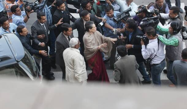 Sonia gandhi, Land bill