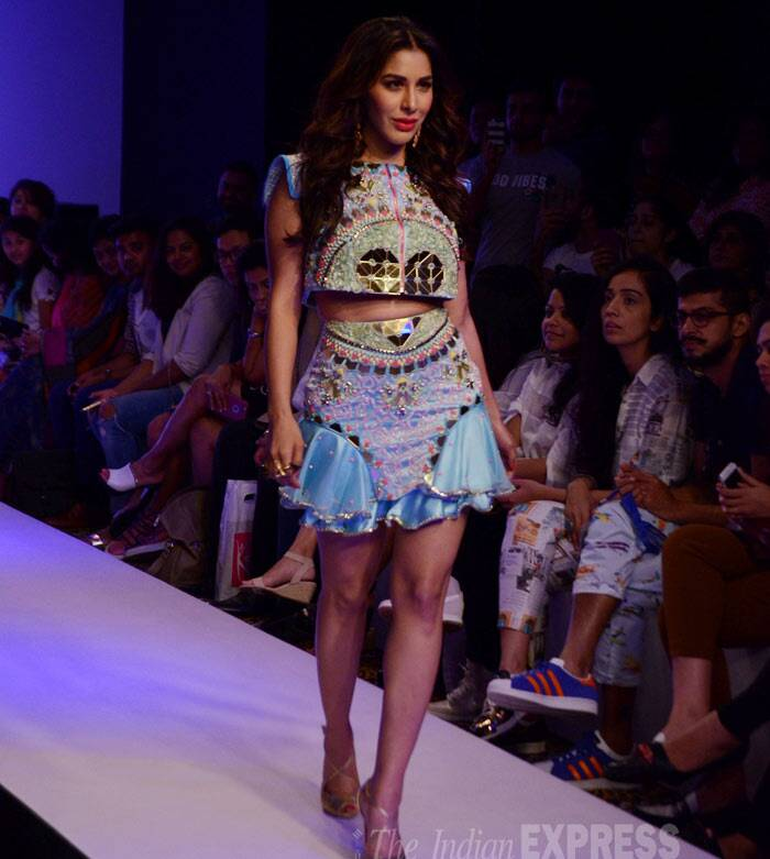 Sophie Choudry, Lakme Fashion Week Summer Resort 2015 took place on Sunday (March 22). Celebrities Shabana Azmi, Chitrangada Singh, Sophie Choudry,. Nimrat Kaur and Waluscha D'Souza turned showstoppers for designers who showcased their collections on the last day. Seen here Sophie Choudry, Sophie LFW,