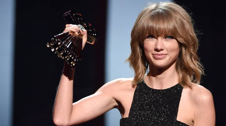 Taylor Swift scores big at iHeartRadio Awards