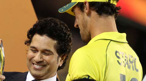 Sachin Tendulkar welcomed with loud cheers at the MCG