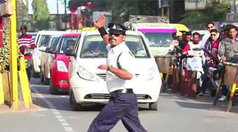traffic cop, delhi traffic cop, delhi traffic, delhi news, indian express