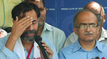AAP Pune leaders throw their lot with Yogendra Yadav, Prashant Bhushan