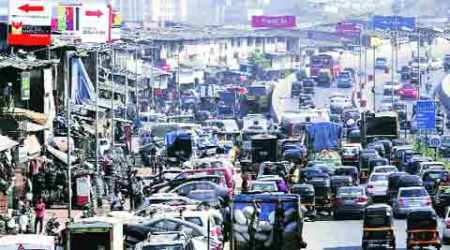 Residents miffed over BMC plan to make space for hawkers on Bandrafootpaths