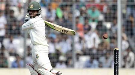 Pakistan drop catches, Haque drops anchor